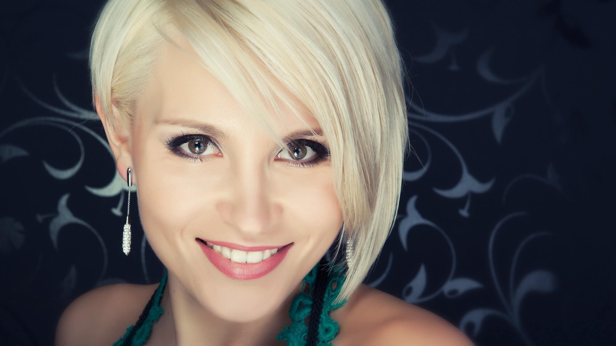 blonde-short-hair-style
