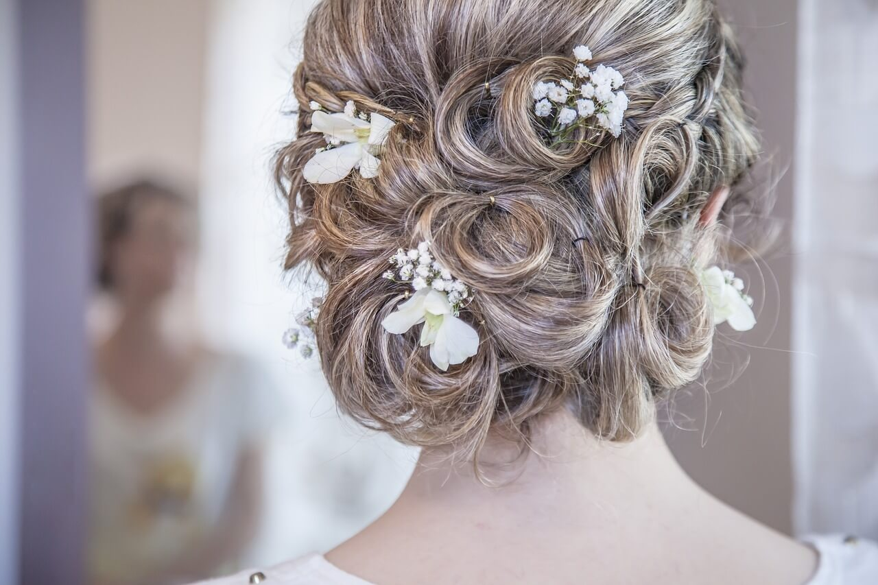 blonde-updo-for-wedding