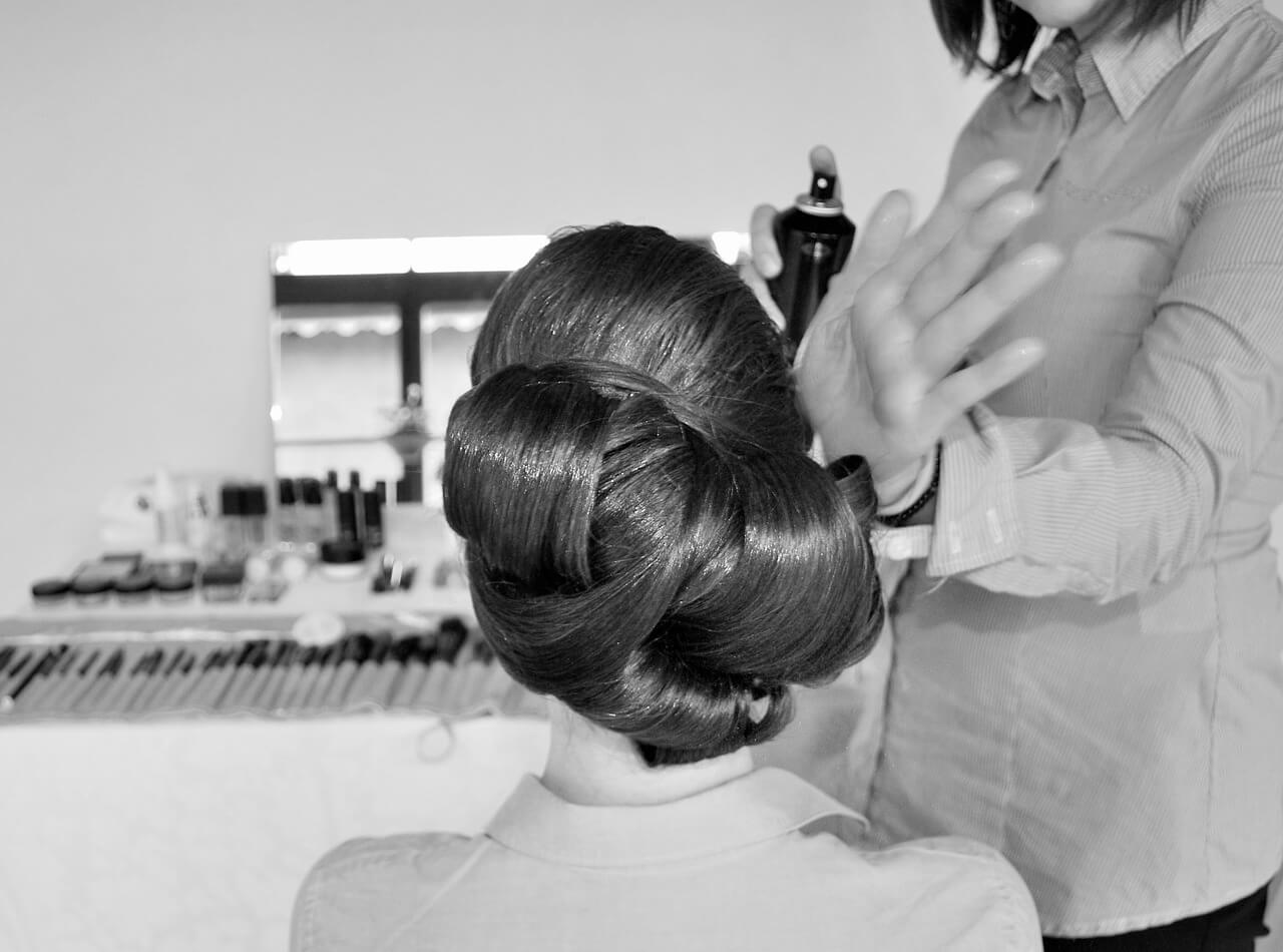 brunette-updo-for-wedding